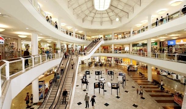 Lugares movimentados e mesmo assim com uma temperatura agradável. Fonte: plugcitarios.com.br